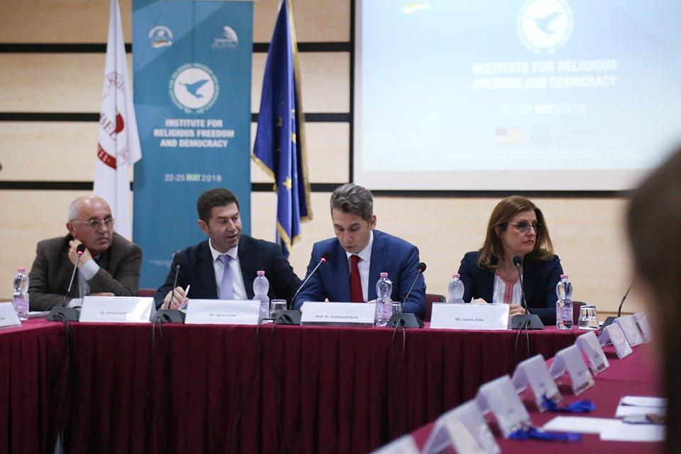 Panel diskutimi mbi lirinë fetare dhe demokracinë